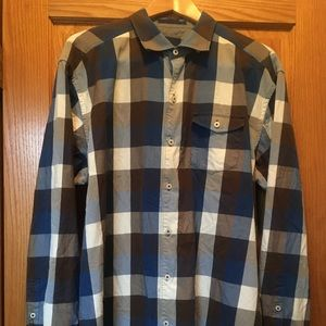 Tommy Bahama casual button down long sleeve shirt